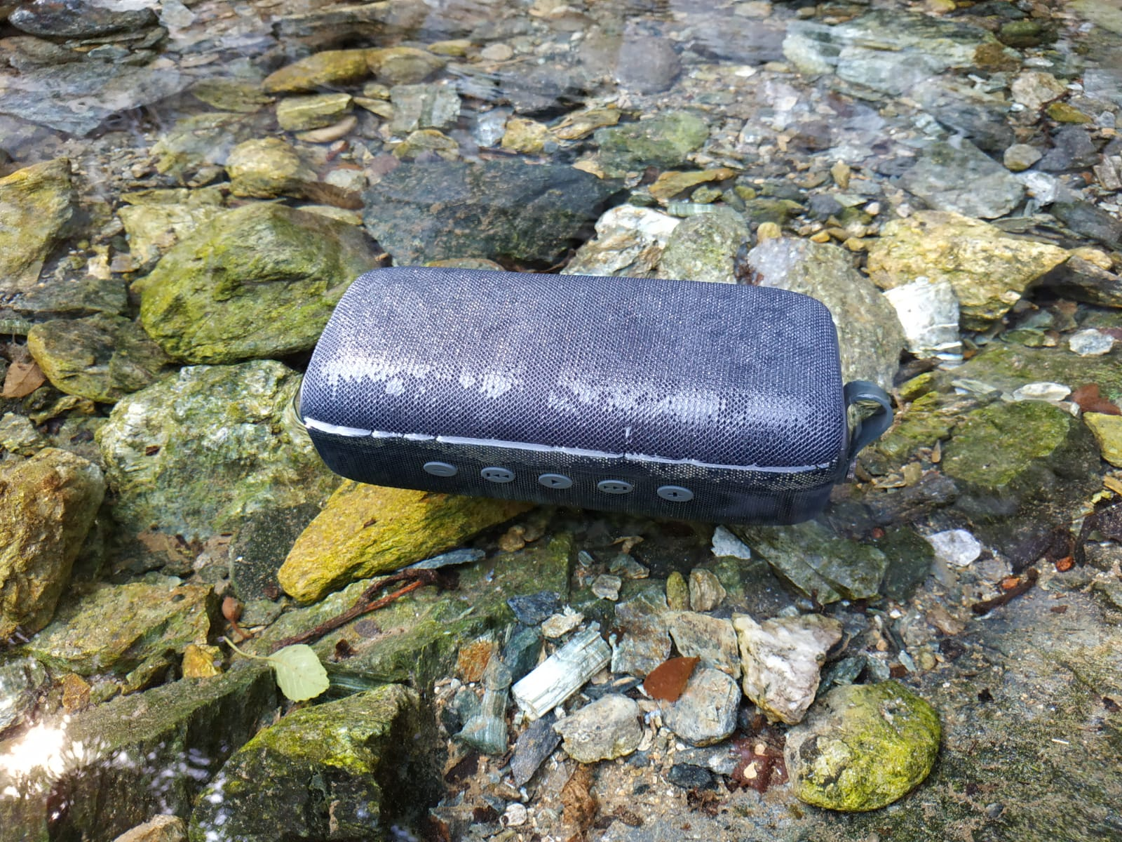 Fresh 'n Rebel Rockbox Bold waterproof